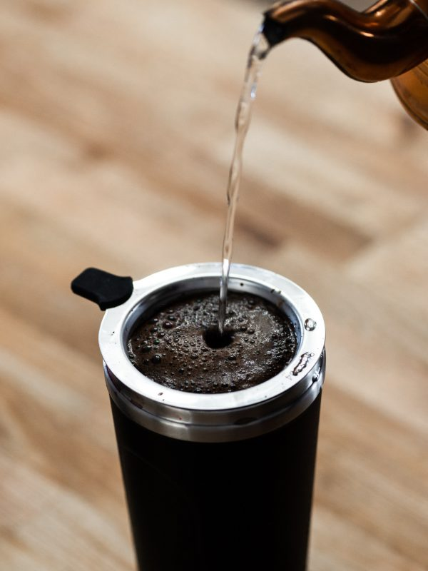 Make coffee with the portable drink set